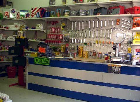 Frabetti scaffalature ferramenta e utensileria for Arredamento ferramenta